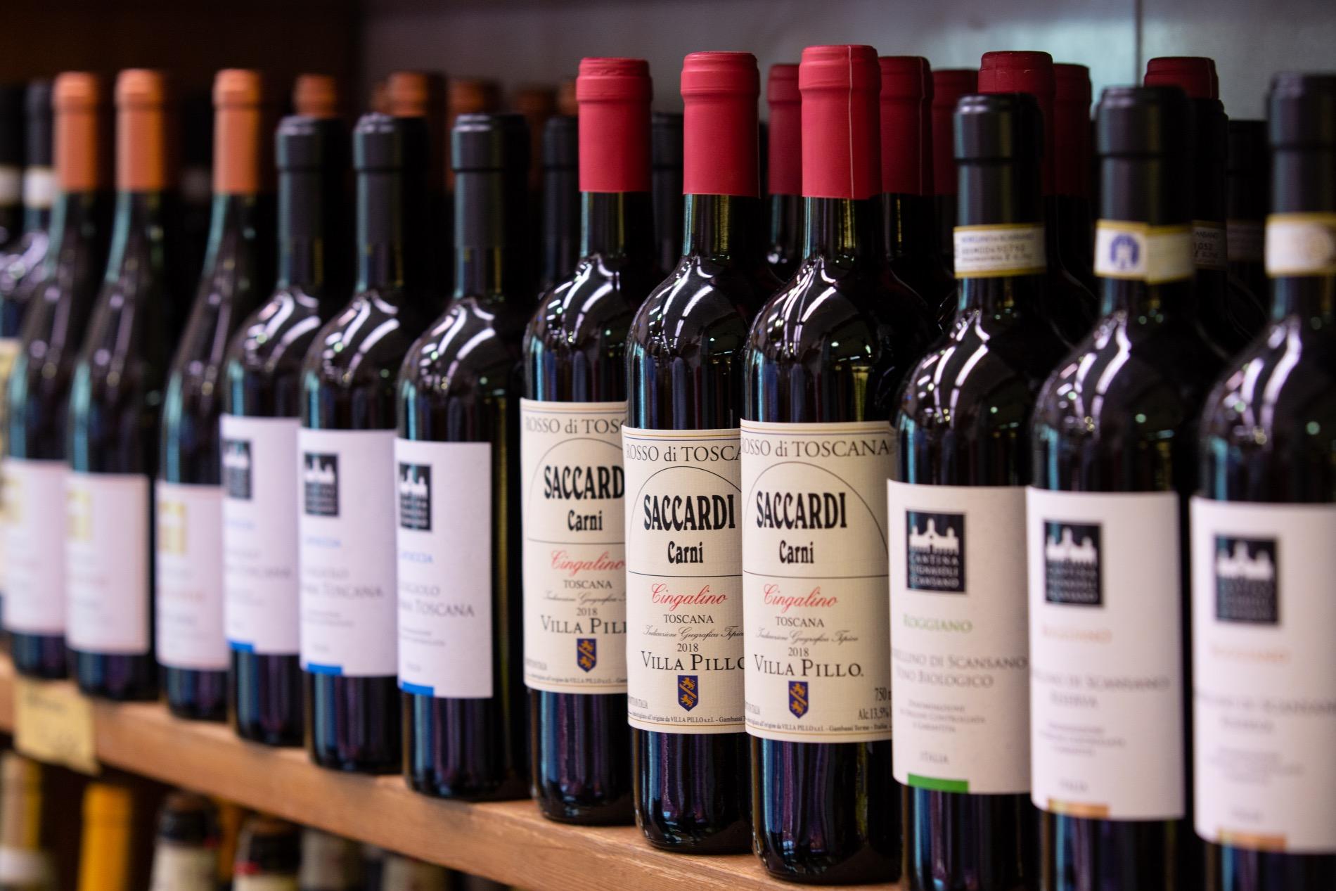 bottiglie di vino saccardi
